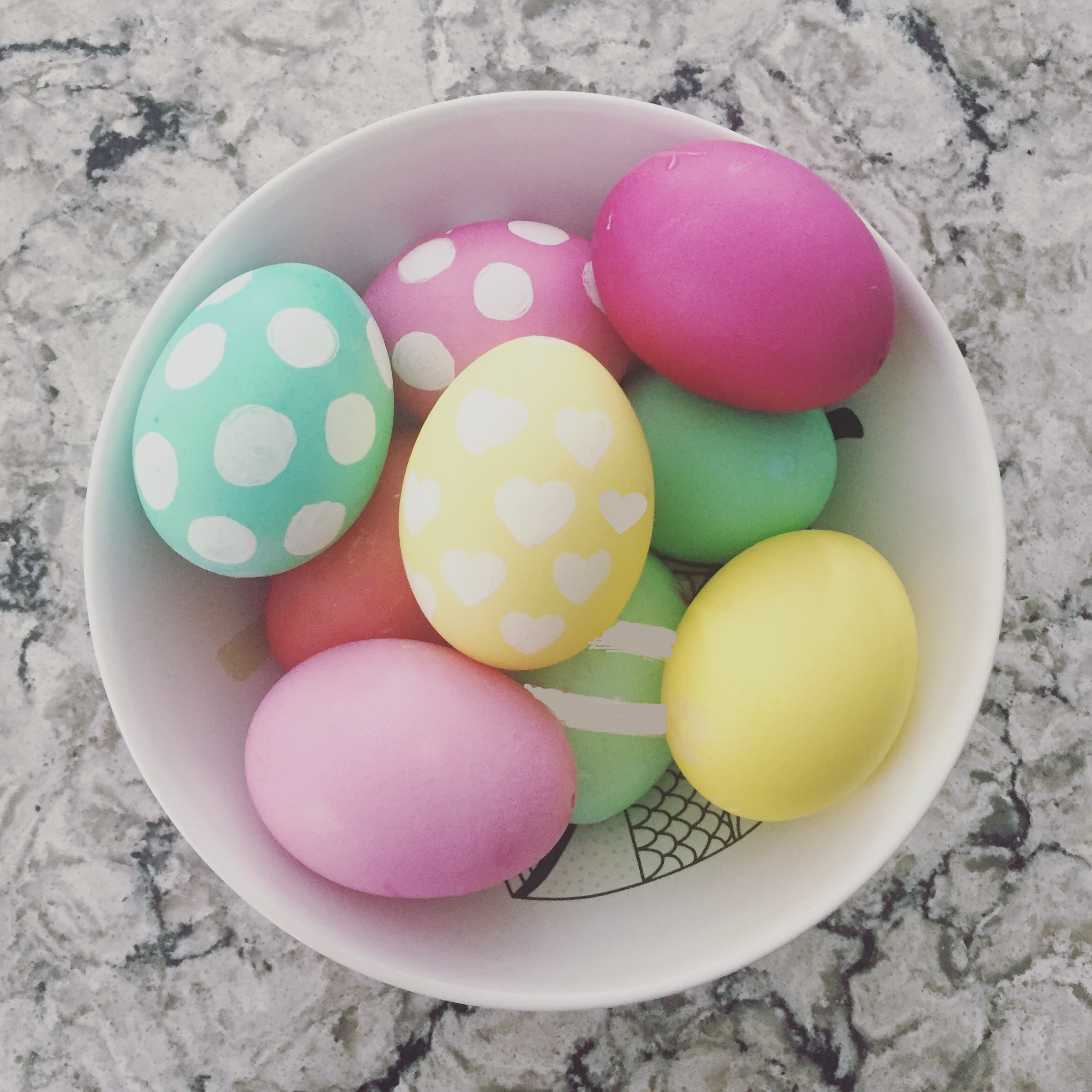 How to Dye and Decorate Easter Eggs!